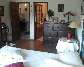 Alugo quarto mobilado com wc privativo em Montemor o Novo