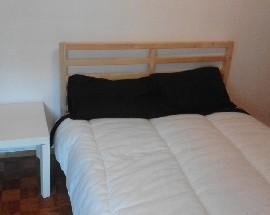 Dois quartos disponiveis para estadias de curta duracao