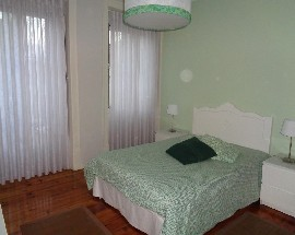 Quarto individual num apartamento T2 no Lumiar
