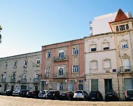Alugo camas em quartos partilhados em hostel centro de Faro