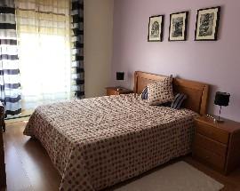 Alugo quarto ou apartamento em Almeirim