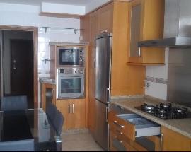 Quarto individual em apartamento novo junto ao Braga Parque