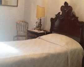 Quarto em apartamento T2 Benfica