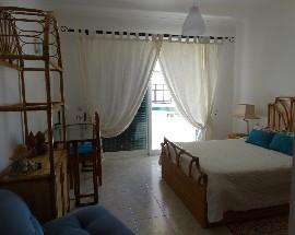 Alugo quartos com cama de casal perto do centro de Portimao
