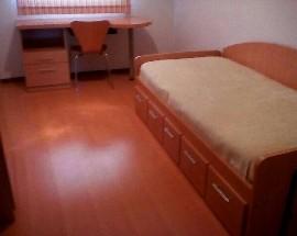 Quarto em apartamento com 3 quartos no Fujacal