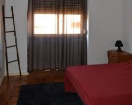 Alugo apartamento T1+1 remodelado no centro da Pontinha