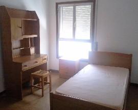 Alugo quarto mobilado perto do ISEC e Polo II