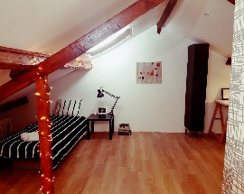 Charming and spacious attic single bedroom