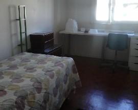 Alugo quarto em Telheiras perto metro e Universidades