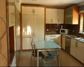3 Quartos em rc de vivenda remodelada perto do IPT