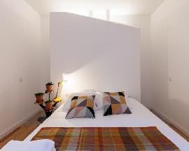 Apartamento a estrear com 5 quartos e wc privativos