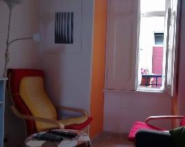Quarto mobilado em vila historica no coracao de Lisboa