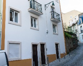Apartment with 2 bedrooms fully furnished in Lisbon