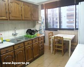 Arrenda se quarto individual em apartamento Coimbra