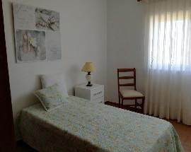 Alugam se quartos em apartamento T5 no Monte da Caparica