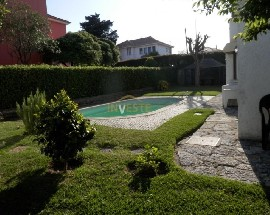Moradia com piscina a 150 mts da estacao de Oeiras