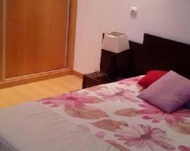 Alugo quarto de casal mobilado em Oliveira de Azemeis