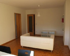 Quarto mobilado em apartamento T3 no Porto IPAM FAUP FLUP