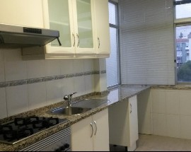 Alugo Apartamento T2 em Mem Martins Sintra