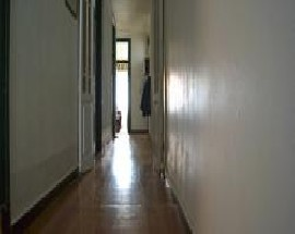 Aluga se quarto com janela em Lisboa Saldanha