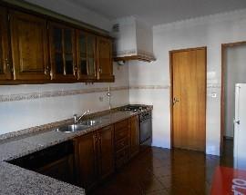 Apartamento T2 mobilado e equipado em Viana do Castelo