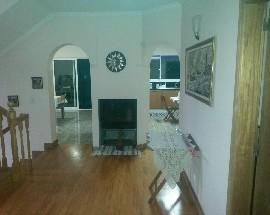 Alugo quarto numa moradia perto da Universidade da Madeira