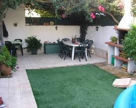 Alugo quarto em vivenda zona Albarraque Beloura