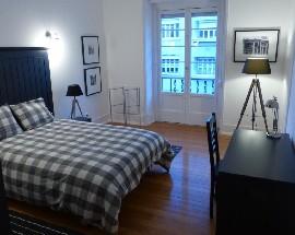 Quartos em charmoso apartamento no Saldanha