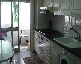 Alugam se quartos mobilados no Porto Centro