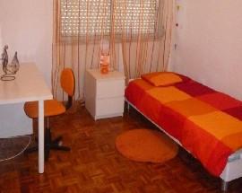 Quartos em apartamento em Odivelas