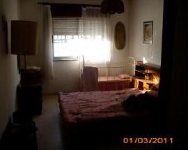 Alugo 1 ou 2 quartos amplos em Portimao