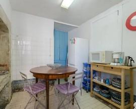 Quartos num apartamento a 50 metros do metro Baixa Chiado