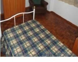Alugo um quarto para rapariga no centro de Evora