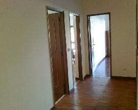 Arrendo quartos ou Apartamento a Av Dias da Silva Feuc