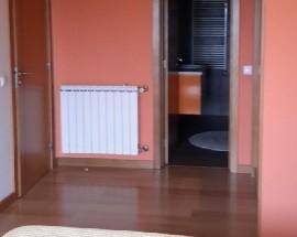 Quarto cama casal wc privado e despesas incluidas em Viseu