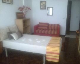 Alugo quarto em Carnaxide no concelho de Oeiras