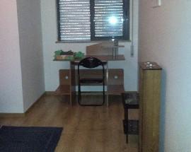 Arrendo quarto individual perto do hospital de Faro