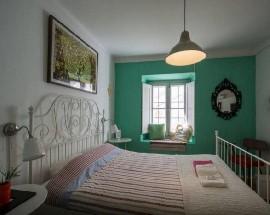 Alugo quarto duplo com cama de casal em Cascais