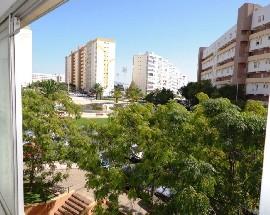 Quarto em apartamento Duplex no centro de Faro
