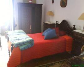 Dois quartos arejados com marquise alugo em Coimbra