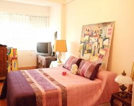 Alugo quarto em Sao Miguel das Encostas