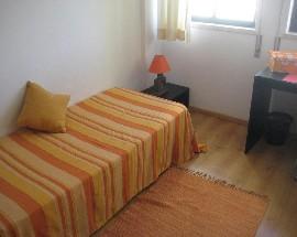 Alugo quarto com wc partilhado em Faro