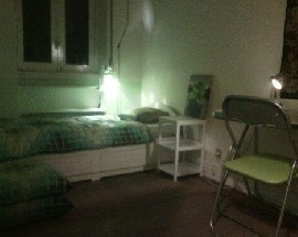 Room in CAMPO PEQUENO nextdoor to Metro