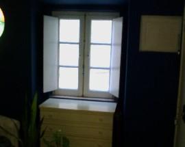 Alugo um quarto em Alfama Santa Apolonia