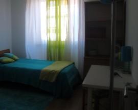 Alugo quarto de solteiro na Amadora