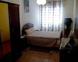 Alugo quartos num 2 andar completamente renovado