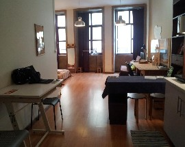 Sunny loft Porto city centre bills included parking