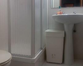 Quarto com casa de banho privativa para rapariga estudante Lisboa