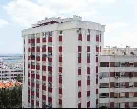 Alugo quarto individual mobilado em Vila Franca de Xira