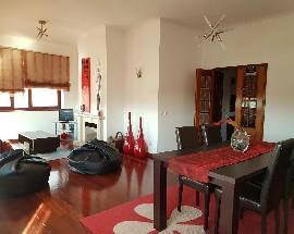 Arrendo quarto individual mobilado em Coimbra